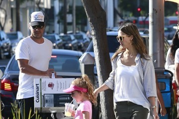 Jessica Alba Cash Warren Jessica Alba and Her Family Enjoy a Day Out in Beverly Hills