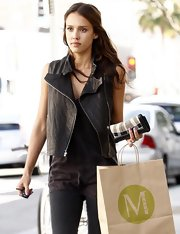 Jessica Alba was spotted grabbing a quick bite in LA looking chic in a pair of Melissa Joy Manning 14Kt gold dipped druzy stud earrings. The gilded studs were the perfectly accented her casual and stylish ensemble.  The recycled metals and gold druzy sparkle, bringing out Jessica's natural glow.