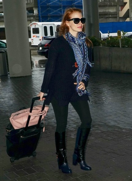 More Pics of Jessica Chastain Patterned Scarf (1 of 14) - Jessica Chastain Lookbook - StyleBistro []