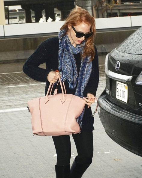 Jessica Chastain Patterned Scarf []
