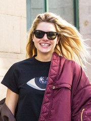 Jessica Hart kept it classic with these Ray-Ban wayfarers while out in the West Village.
