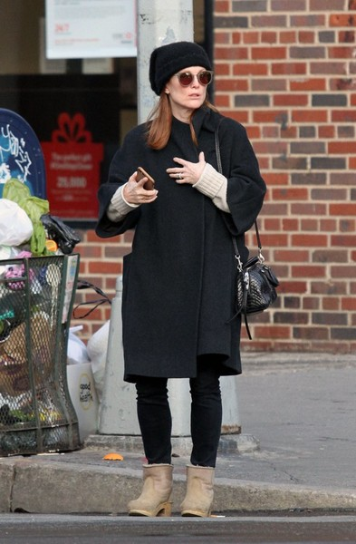 Julianne Moore Leather Shoulder Bag