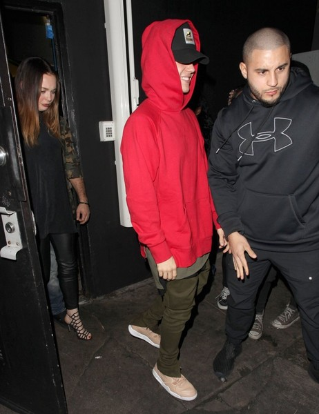 More Pics of Justin Bieber Hoodie (4 of 10) - Justin Bieber Lookbook - StyleBistro []
