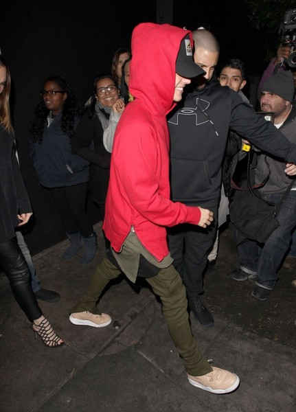 More Pics of Justin Bieber Basketball Sneakers (1 of 10) - Athletic Shoes Lookbook - StyleBistro []