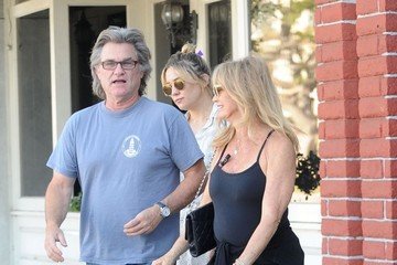 Kate Hudson Goldie Hawn Kate Hudson Takes Goldie Hawn and Kurt Russell Out for Breakfast