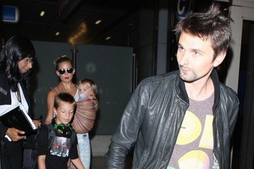 Kate Hudson Matt Bellamy Kate Hudson And Family Arriving On A Flight At LAX