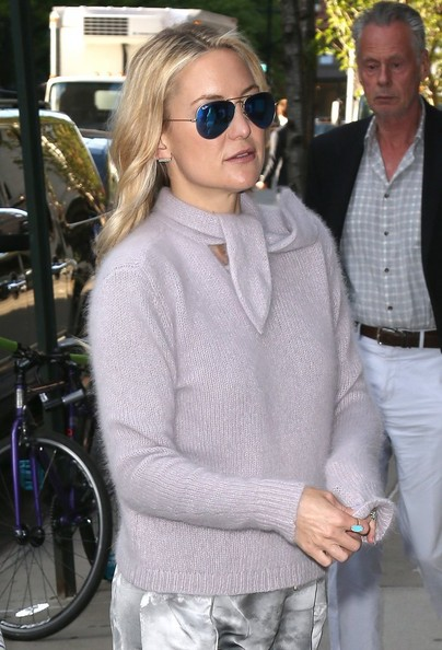 Kate Hudson accessorized with a chic turquoise ring while out in New York City.