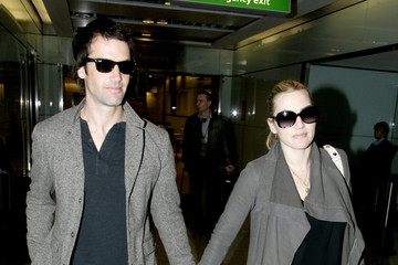 Kate Winslet Ned Rocknroll Kate Winslet and Ned Rocknroll at Heathrow