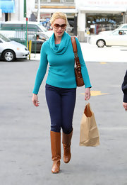 Katherine Heigl stepped out for some shopping wearing a pair of tan leather boots.