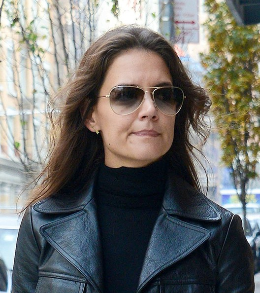 More Pics of Katie Holmes Leather Tote (1 of 9) - Tote Bags Lookbook - StyleBistro []