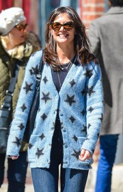 Katie Holmes kept the rays out with a pair of cateye sunnies while strolling in New York City.