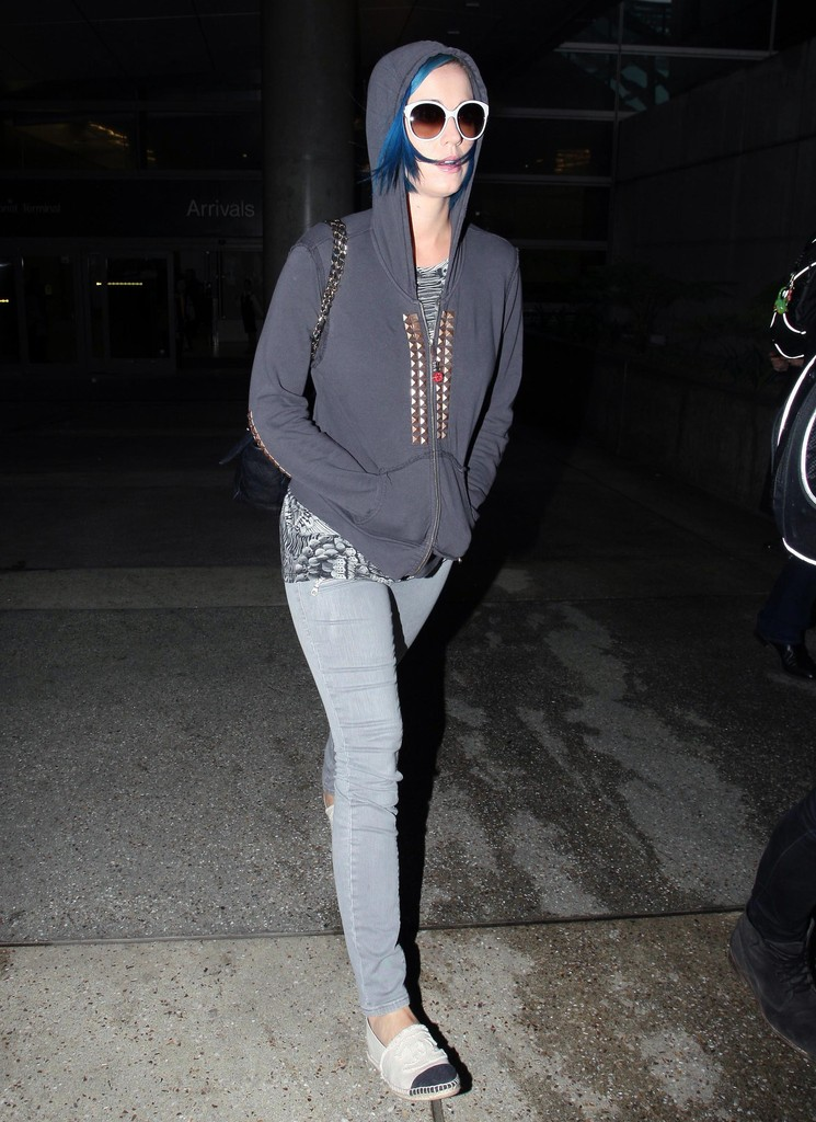 Katy Perry Canvas Shoes Katy Perry Casual Shoes Looks