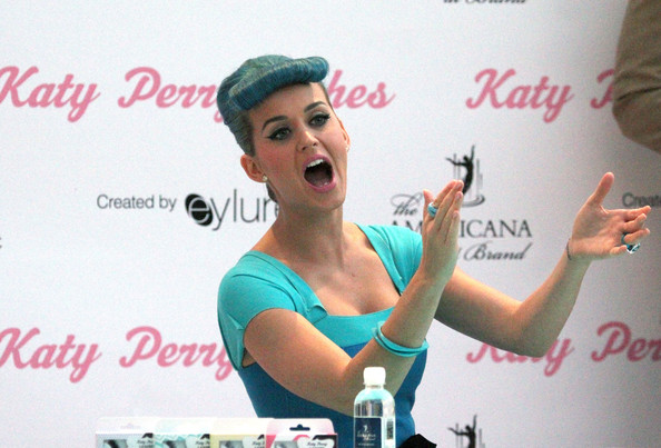 More Pics of Katy Perry Glass Ring (3 of 43) - Decorative Rings Lookbook - StyleBistro []