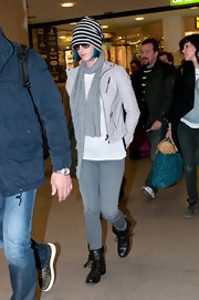 Katy Perry wore this gray skinnies for her travels to Germany.