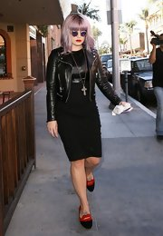 Kelly Osbourne nailed the punk look with an all-black dress with a leather bodice, which she paired with a leather jacket.