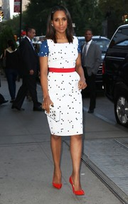 Kerry Washington accessorized with a white Thale Blanc box clutch that echoed the style of her dress.
