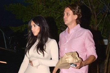 Kim Kardashian Jonathan Cheban The Kardashian Clan Gets Dinner