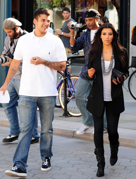 Kim kardashian spotted out eating and shopping with bruce jenner and