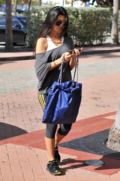 More Pics of Kourtney Kardashian Oversized Shopper Bag (1 of 7) - Oversized Shopper Bag Lookbook - StyleBistro
