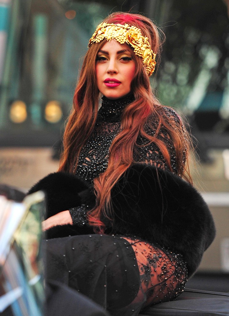 lady gaga new hair style more pics of gaga headband 5 of 51 hair 9408 | Lady Gaga Arriving Style Fame Party wm1MS isU7yx