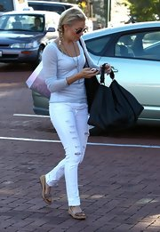 LeAnn Rimes was spotted in Malibu wearing a pair of on trend flatform sandals.