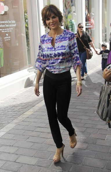More Pics of Lisa Rinna Skinny Pants (1 of 12) - Lisa Rinna Lookbook - StyleBistro