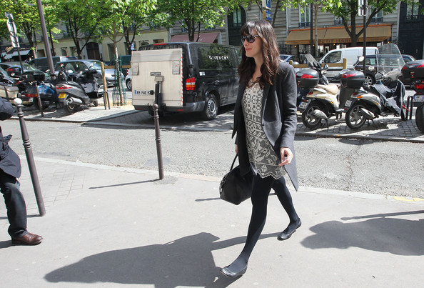 More Pics of Liv Tyler Ballet Flats (2 of 10) - Liv Tyler Lookbook - StyleBistro