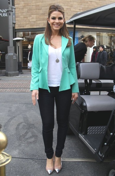 More Pics of Maria Menounos Blazer (1 of 9) - Maria Menounos Lookbook - StyleBistro