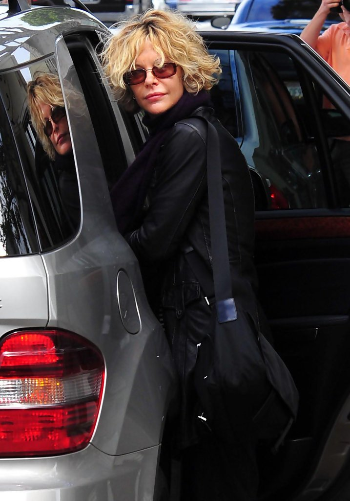 Meg Ryan Rectangular Sunglasses Meg Ryan Looks Stylebistro