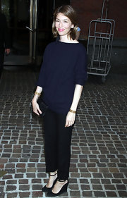 Sofia looked minimal chic in a navy crew neck sweater for the 'Midnight in Paris' premiere.