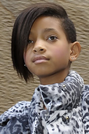 Willow's short and straight chop featured cool shaved sides.
