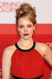 Rachel McAdams paired her vibrant red dress with bright red lips that packed a serious punch.