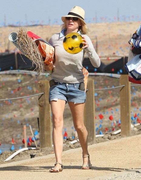 More Pics of Naomi Watts Denim Shorts (3 of 54) - Naomi Watts Lookbook - StyleBistro