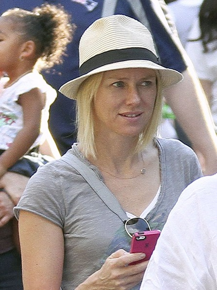 More Pics of Naomi Watts Fedora (5 of 30) - Naomi Watts Lookbook - StyleBistro