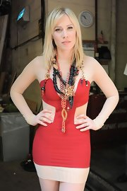 Natasha Bedingfield can't resist a standout statement necklace like this piece she wore on 'Live With Regis & Kelly.'