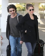Renee Zellweger's aviator sunglasses topped off her casual airport look.