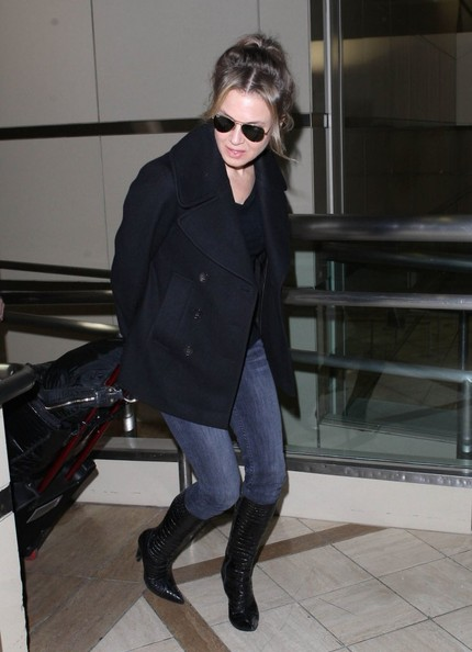 More Pics of Renee Zellweger Aviator Sunglasses (1 of 9) - Renee Zellweger Lookbook - StyleBistro