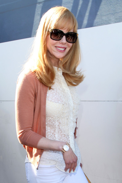 More Pics of Nicole Kidman Long Wavy Cut with Bangs (1 of 5) - Nicole Kidman Lookbook - StyleBistro