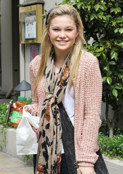 Olivia Holt Patterned Scarf