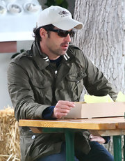 Patrick was spotted out grabbing a bite to eat wearing a casual baseball cap.