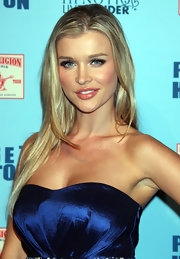 Joanna Krupa rocked straight long locks to Perez Hilton's Blue Ball bash. Sleek center part finished off her sexy look.