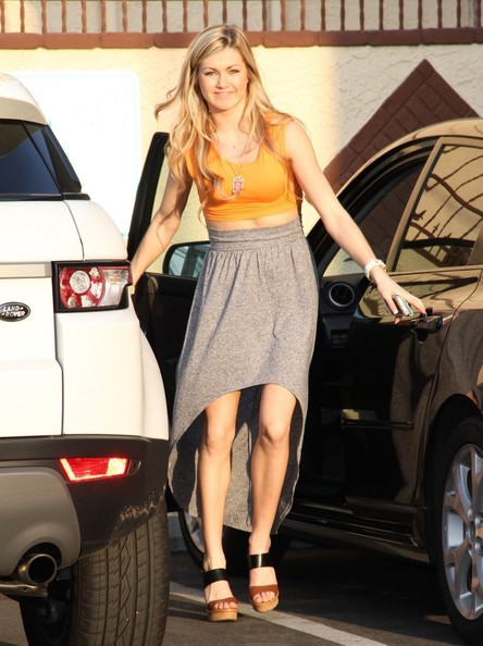 Peta Murgatroyd Knee Length Skirt