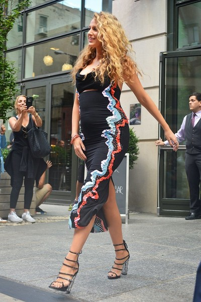 More Pics of Blake Lively Strappy Sandals (1 of 26) - Blake Lively Lookbook - StyleBistro