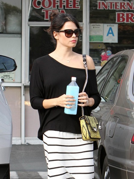 More Pics of Jenna Dewan-Tatum One-Shoulder Top (1 of 42) - Jenna Dewan-Tatum Lookbook - StyleBistro