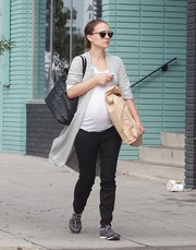 Natalie Portman grabbed lunch in Los Feliz wearing a long gray shawl-collar cardigan over a white tee.