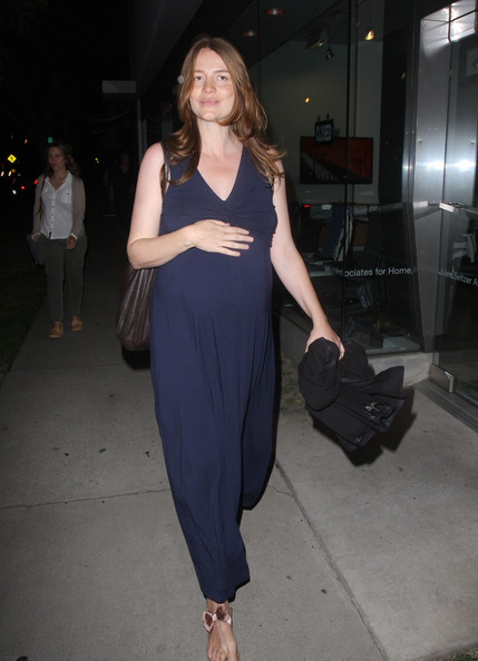 More Pics of Saffron Burrows Thong Sandals (1 of 12) - Saffron Burrows Lookbook - StyleBistro