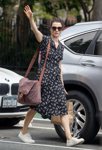 More Pics of Rachel Weisz Shirtdress (1 of 10) - Dresses & Skirts Lookbook - StyleBistro