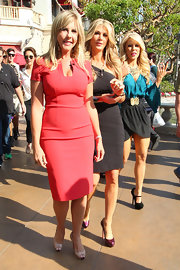 Vicki Gunvalson wore a coral sheath dress to the 'Extra' interview in LA.