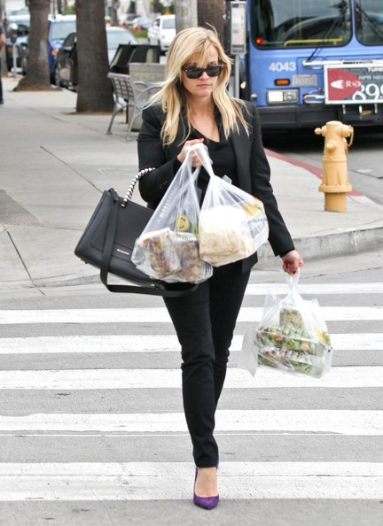 More Pics of Reese Witherspoon Leather Tote (1 of 39) - Reese Witherspoon Lookbook - StyleBistro