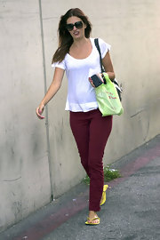 Rhea Durham managed to look pretty in just a tee and skinny jeans while out at a beauty salon in Beverly Hills.